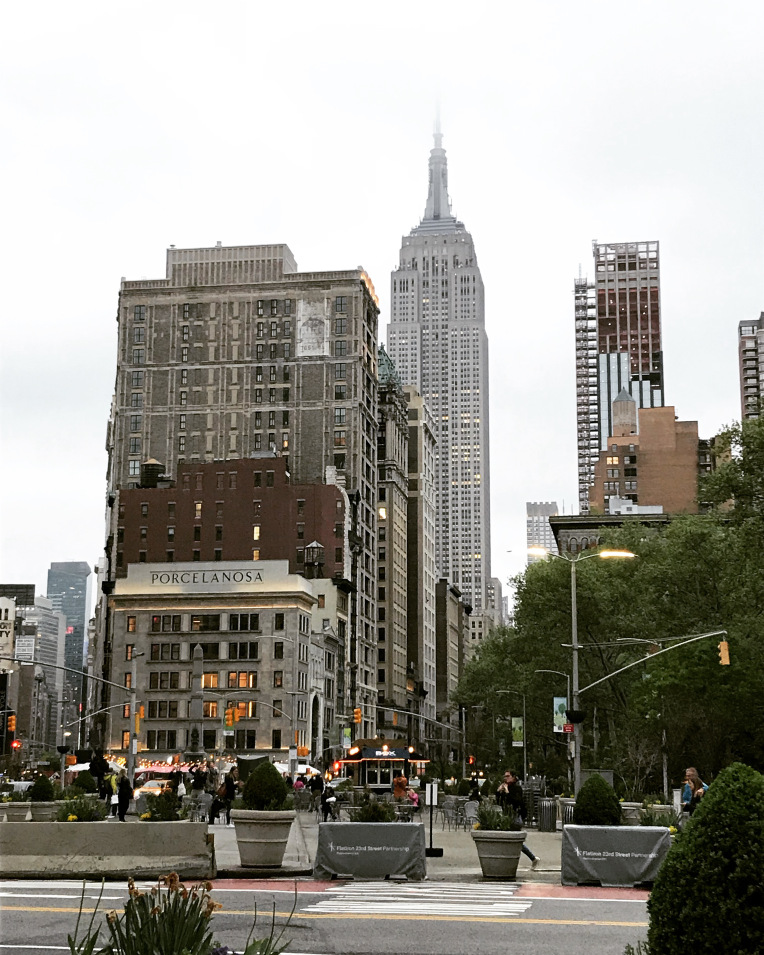Empire State building in New York City.jpg